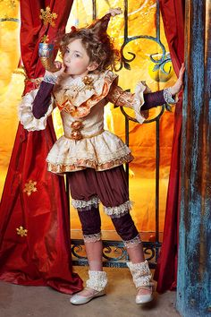 Circus Carnival Party, Circus Theme, Circus Maximus, Photo Zone, Circus Costume, Photoshoot Themes, Kids Wear, Costume Design, Children Photography