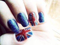 Britain's flag nails design