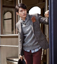 Esteeming: Hyun Bin – The Fangirl Verdict Hyun Bin, Song Hye Kyo, Lee Min Ho, Asian Actors, Korean Actors, Korean Celebrities, Celebs, Kdrama, Ha Ji Won
