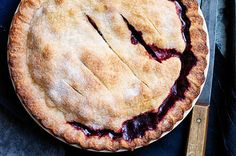 Find the best Thanksgiving pies right here! Pumpkin pie, apple pie, cranberry pie, and so many more amazing and unique Thanksgiving pies all in one place! Pie Game, Cranberry Pie, Pie Recipes, Dessert Recipes, Sweet Recipes, Pie Dessert, Fall Desserts, Shrimp Recipes, Dessert Ideas
