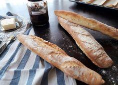 Francia baguette Baguette, Hot Dog Buns, Hot Dogs, Bread, Breakfast, Recipes, Food, France, Recipies