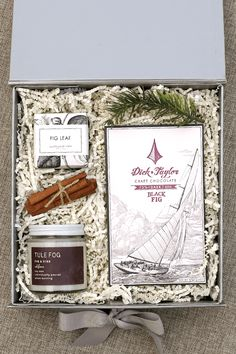Corporate Gifts : Holiday Gifts for Employees. Pumeli designs high-end corporate gifts to enhance … Corporate Christmas Gifts, Corporate Gifts, Custom Gift Boxes, Customized Gifts, Holiday Fun, Holiday Gifts, Employee Gifts, Client Gifts, Business Gifts