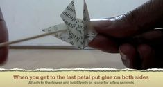 Picture of When You Get to the Last Petal Put Blue on Both Sides Geek Cross Stitch, Cross Stitch Bookmarks, Origami Ball, Easy Origami, Origami Boxes, Origami Paper, Origami Instructions, Origami Tutorial, Diy Projects Origami