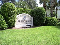 Bridgegate homes in Jonathan's Landing  Call Richard Sites, 561-762-4073, Jonathan's Landing Realty, to see any Jonathan's Landing home for sale.  Jonathan's Landing Realty is the exclusive, on-site office for the JL Golf Club.