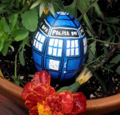 The World's Top 10 Most Amazing Nerd Inspired Painted Easter Eggs.  Tardis Egg!