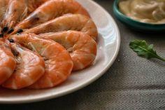 Cómo cocer langostinos y gambas: tiempos e ideas de preparación Shrimp, Food And Drink, Meat, Anna Olson, Chocolate, Diy, Gastronomia, Baked Shrimp, Oyster Sauce