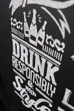 the_paris_liquor_store_03
