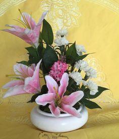 Arranjo Floral Artificial com Lírios Rosas - 20609492 | enjoei :p