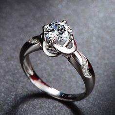 Bague de fiançailles Moissanite art déco par Donatellajewelry