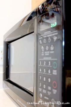 How to clean AND SHINE your microwave...without cleaner! :-)