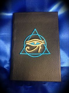 "Libro delle Ombre ""The Mystic Eye of Horus"" di LittleSorcerer su Etsy"
