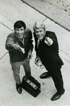 first picturable travel of my embarrassing love Star Trek 1966, Star Trek Tos, Classic Movie Stars, Classic Tv, Mission Impossible Tv Series, Spy Shows, Funniest Pictures Ever, Vintage Television, Leonard Nimoy