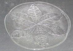 Un Signed Swedish Kosta Boda Warff Art Glass Crystal Clear Leaf Serving Plate Clear Glass Plates, Glass Art, Kosta Boda, Scandinavian Art, Serving Plates, Finland, Glass Crystal, Crystals, Denmark