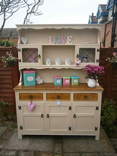 Shabby Chic Dressers: What's Your Style – French Farmhouse or English Country Cottage? Shabby chic dressers and sideboards make a fa… Shabby Chic Furniture, Shabby Chic Decor, Painted Furniture, Furniture Projects, Furniture Makeover, Diy Furniture, Welsh Dresser, Oak Dresser, Kitchen Dresser