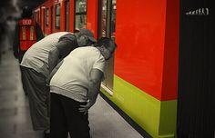 Línea 12 aún sin pagar daños ocasionados por su construcción  http://rev30.com/1l4zDXF
