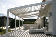 The pergola kits are the easiest and quickest way to build a garden pergola. There are lots of do it yourself pergola kits available to you so that anyone could easily put them together to construct a new structure at their backyard. Modern Pergola, Outdoor Decor, Apartment Garden, Pergola Designs, Vinyl Pergola