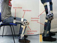 Exoesqueleto Exoskeleton Suit, Powered Exoskeleton, Tesla Technology, Latest Technology Gadgets, Iron Man Suit, Iron Man Armor, Robot Concept Art, Armor Concept, Orthotics And Prosthetics