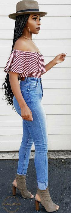Walking into the weekend like… // Fashion Look by Keke Cameron