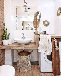 Beautiful master bathroom decor tips. Modern Farmhouse, Rustic Modern, Classic, light and airy master bathroom design some a few ideas. Master Bathroom makeover a few ideas and bathroom remodel tips. Bad Inspiration, Bathroom Inspiration, Bohemian Bathroom, Parisian Bathroom, Beach Bathrooms, Master Bathrooms, Downstairs Bathroom, Houzz Bathroom, Luxury Bathrooms
