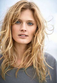 The bluest eyes in France - Constance Jablonski for Elle France by Gilles Bensimon