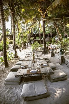 Best Hotels On Tulum Beach - Vanessa Aguirre Outdoor Beach Decor, Beach Patio, Outdoor Cafe, Outdoor Restaurant, Beach Picnic, Beach Club, Tulum Beach Hotels, Casas Containers, Beste Hotels
