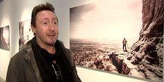 """Julian Lennon le voyageur photographe a ramené du Kenya et d'Ethiopie des clichés en Noir et Blanc rassemblés dans l'exposition """"Horizon"""" qu'il vient d'inaugurer à la Maison de la Photo à Lille. Le fils de John est particulièrement investi en Afrique où il a créé une fondation. """"Horizon"""" montée pour la première fois en France, est à voir jusqu'au 6 mars.  ❤  https://www.facebook.com/julianlennonofficial/posts/10153741344476117"""