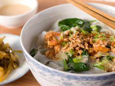 Yummy Shan Noodles (Myanmar) Becky in Burma