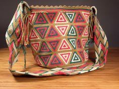 Wayuu Bag van GoodFeelSupplyCo op Etsy