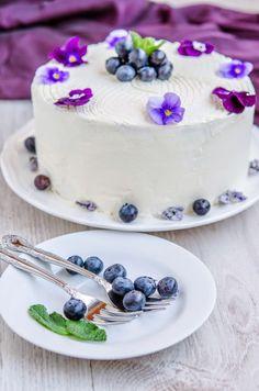 Happy birthday little blog! Uf, 5 ani! Oare cand au trecut? Sincer va spun ca nici atunci si nici acum nu m-am gandit ca o sa ajung aici! Multe emotii, experiente frumoase, muuulti prieteni, toate astea ne-au legat aici pe blog si pe Facebook! Eu, voi si gustul pentru chinese food si deserturi delicate. … Panna Cotta, Ethnic Recipes, Blog, Home