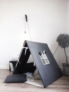 10 awesome tent design ideas for kids room - My Cosy Retreat Indoor Tents, Indoor Playhouse, Deco Kids, Tent Design, Kids Tents, Modern Kids, Kids Corner, Kid Spaces, Kids Decor