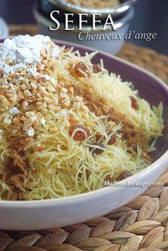 Seffa est un plat marocain, servi généralement dans les grande occasions entre le plat principal à base de viande et le dessert. c'est de la vermicelle très fine, cuite à la vapeur et parfumée à la cannelle, en y ajoute du sucre selon le goût ainsi que...