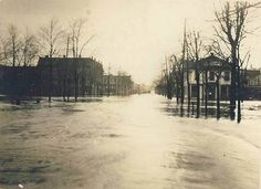 1913 flood. For some reason I think this was looking west down Second St.?