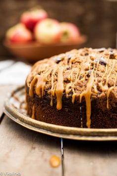 Apple Spice Streusel Cake with Salted Caramel Drizzle | VIKALINKA | Don't you think autumn is the ideal time to bake? There is plenty of fruit that's been just harvested but the temperature is not scorching hot anymore which makes a warm oven is quite welcome. Espe...