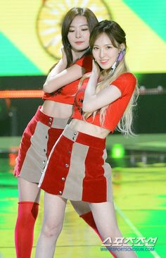 Red Velvet's Wendy @ The Show Wendy Red Velvet, Red Velvet Joy, Red Velvet Seulgi, Irene, Best Cardio Workout, Workout Fitness, Reduce Belly Fat, High End Fashion, Transformation Body