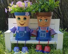 Little Miss Clay Pot People Terracotta Planter - DIY and crafts - Country Recipes Flower Pot Crafts, Clay Pot Crafts, Flower Pots, Pots D'argile, Clay Pots, Planter Pots, Flower Pot People, Clay Pot People, Large Bubble Wrap