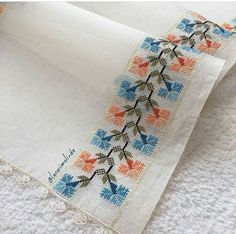 Table Runner, love the clean simple lines design, it's perfect. Cross Stitch Borders, Cross Stitch Designs, Cross Stitching, Cross Stitch Patterns, Embroidery Stitches, Embroidery Patterns, Crochet Patterns, Crafts To Sell, Diy And Crafts