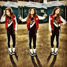 Zendaya With Her Beats By Dre Headphones On December 2012 Zendaya Swag, Estilo Zendaya, Zendaya Outfits, Zendaya Style, Zendaya Hair, Tomboy Outfits, Dope Fashion, Teen Fashion, Tomboy Fashion