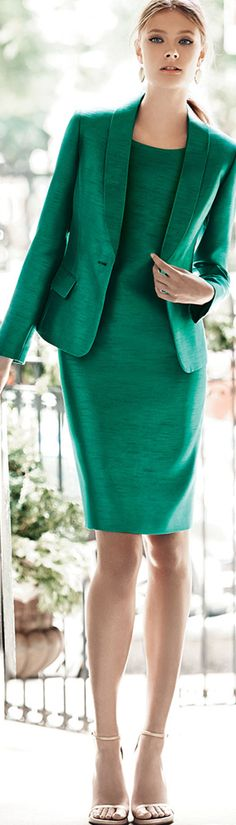 Albert Nipon ● Bead-Trim Sheath Dress with Jacket - the beautiful fabric makes this a high end elegant look. Office Fashion, Work Fashion, Business Attire, Business Women, Dress For Success, Green Fashion, Look Chic, Facon, Work Attire