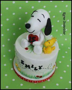 Snoopy by Karen Dodenbier Snoopy Birthday, Snoopy Party, Birthday Cake, Birthday Ideas, Bolo Snoopy, Snoopy Cake, Cake Cookies, Cupcake Cakes, Dream Cake