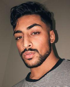 Sexy Gay Men, Arab Men, Male Makeup, Mens Trends, Indian Man, Photography Poses For Men, Modern Man, Male Models, Cute Boys