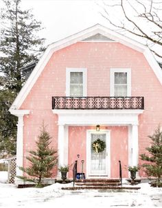 Exterior House Colors Pink Architecture Ideas For 2019 Casa Octagonal, Future House, My House, Dutch Colonial Homes, Style Me Pretty Living, V Instagram, Pink Houses, Winter Is Here, Exterior House Colors