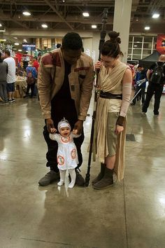 This Adorable Family Just Put Your Star Wars Halloween Costume Goals to Shame