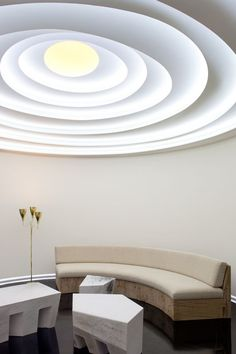 Iconic photos by some of the best interior designers showing some of the best contemporary interior design there is right now Ceiling Detail, Ceiling Design, Skylight Design, Pierre Yovanovitch, Plafond Design, Ceiling Treatments, Top Interior Designers, Contemporary Interior Design, Deco Furniture