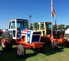 """1976 CASE 1570 """"Spirit of 76"""" & Demonstrator 970 Agri-Kings Case Tractors, Red Tractor, Spirit, Antique, Antiques, Old Stuff"""