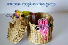 Pulsera-serpiente con gomas.