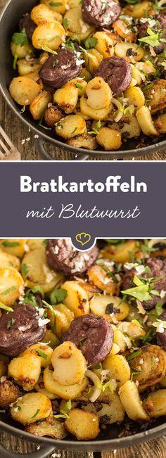 Bratkartoffeln, Blutwurst und Speck sind eine unschlagbare Kombination. Mit Meerrettich verfeinert - ein unwiderstehlich deftiges Pfannengericht.
