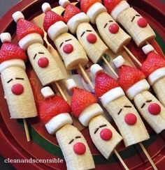christmas food 10 Healthy Christmas Snacks that are perfect for your childs school party, or any festive occasion this holiday season. No sugar in these healthy Christmas snacks your little ones will love. Best Christmas Recipes, Christmas Party Food, Xmas Food, Christmas Brunch, Christmas Breakfast, Christmas Appetizers, Christmas Cooking, Holiday Recipes, Christmas Eve