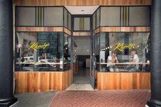 Cape Town has no shortage of incredible places to get a good cuppa coffs. We round up the best coffee shops in Cape Town in each suburb of the Mother City. Apartheid Museum, Best Coffee Shop, Coffee Shops, New York Style, Great Restaurants, Best Breakfast, Cape Town, South Africa, The Good Place