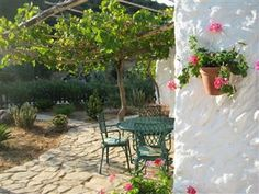 Morgenkaffe på terrassen?  Smukt lille landhus i bjergene ved nationalparken #Grazalema og #Zahara søen - tæt på Sevilla, Ronda og Marbella, #Andalusien.