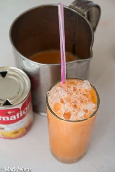 Thai Iced Tea Recipe (Cha Yen) - Authentic Thai Street Food Style - List of the best food recipes Thai Tea Recipes, Milk Tea Recipes, Iced Tea Recipes, Asian Recipes, Evaporated Milk Recipes, Mexican Recipes, Thai Street Food, Yummy Drinks, Healthy Drinks